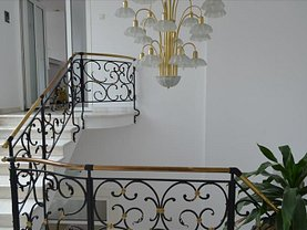 Casa de vânzare 10 camere, în Târgu Mureş, zona Central