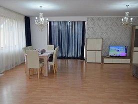 Casa de închiriat 4 camere, în Livezeni, zona Central