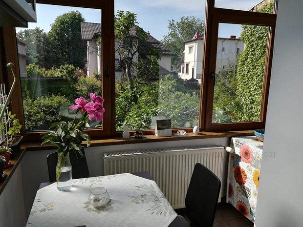 Domenii-Casin, apartament in vila, curte proprie 125 mp - imaginea 1