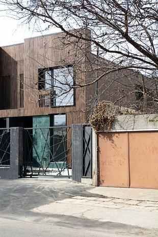 Casa cu arhitectura superba si finisaje superpremium - imaginea 1