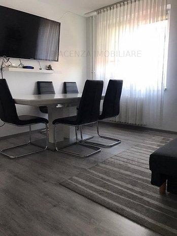 Agentia Piacenza intermediaza vanzare apartament cu 2 camere Gheorgheni, - imaginea 1