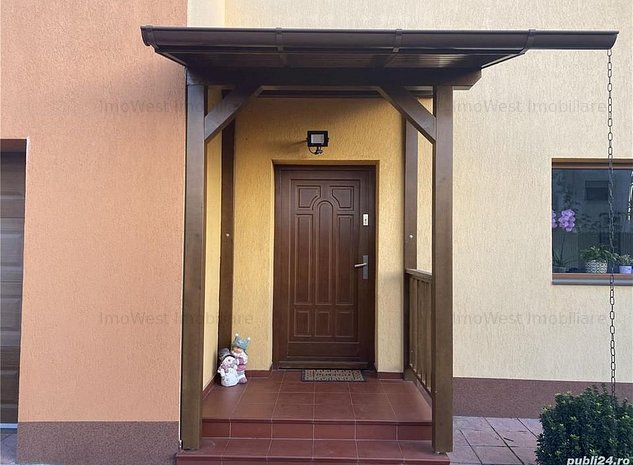 Casa individuala cu garaj la intrare in Dumbravita - imaginea 1
