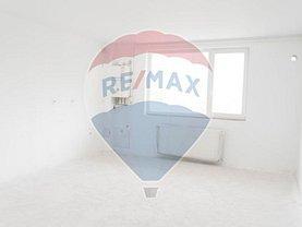 Apartament de vânzare sau de închiriat 3 camere, în Cisnădie, zona Central