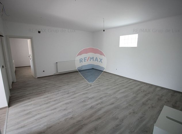 Spatiu Birouri | 7 camere | pod mansardabil  parcare | Central - imaginea 1