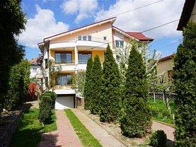 Casa de închiriat 8 camere, în Râmnicu Vâlcea, zona Nord