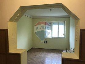 Apartament de vânzare 3 camere în Ghirisa