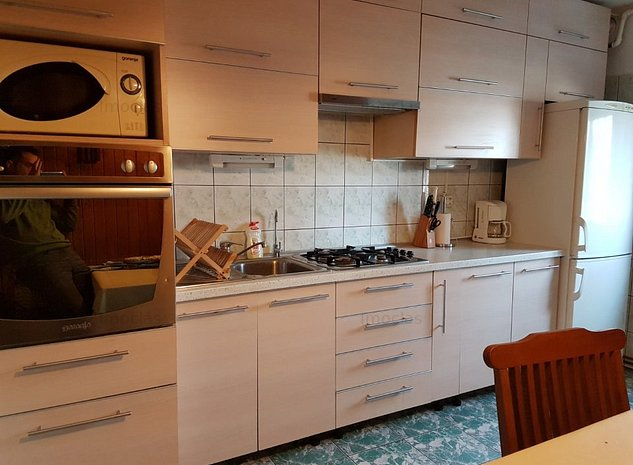 4 camere Bucovina 2 clime centrala Garaj proprietate - imaginea 1
