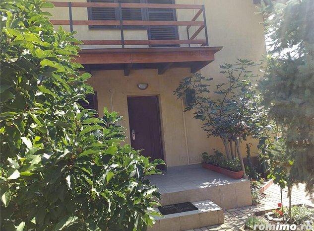 Vila Dorobanti in spatele Hotel Strelitia moderna,Cocheta - imaginea 1