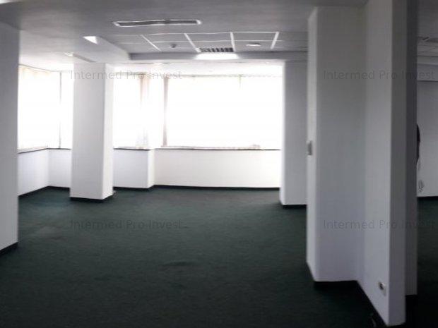 Spatiu birouri ultracentral - imaginea 1