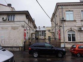 Casa de vânzare sau de închiriat 17 camere, în Bucureşti, zona Libertăţii