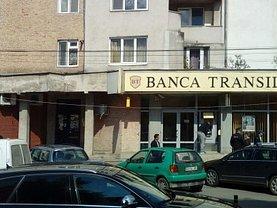 Apartament de vânzare 4 camere, în Bistrita, zona Central