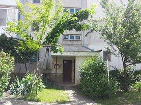 Apartament de vânzare 3 camere, în Hunedoara, zona Nord