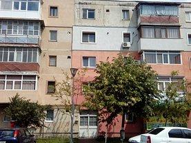 Apartament de vânzare 2 camere, în Ramnicu Sarat, zona Nord-Est