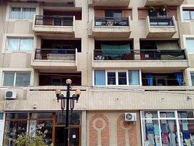 Apartament de vânzare 3 camere, în Ramnicu Sarat, zona Central