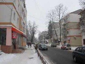 Apartament de vânzare 3 camere în Bucecea
