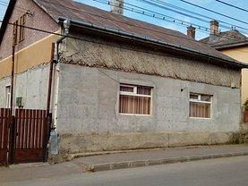Casa de vânzare, în Gura Humorului, zona Central