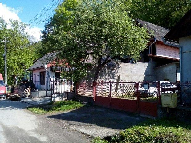 Casa de vânzare 7 camere - imaginea 2