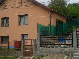 Casa de vânzare 4 camere, în Medias, zona Central
