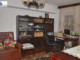 Apartament de vânzare 4 camere, în Botosani, zona Ultracentral