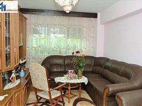 Apartament de vânzare 4 camere, în Botoşani, zona Ultracentral