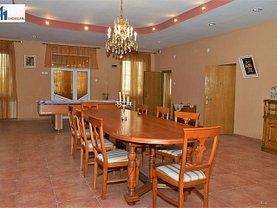 Casa de vânzare 10 camere, în Poiana (Vorona)