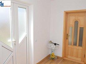 Casa de vânzare 5 camere, în Botoşani, zona Sud-Est