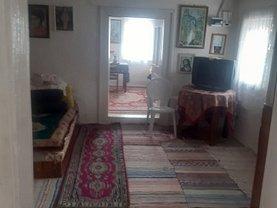 Casa de vânzare 4 camere, în Purcăreni