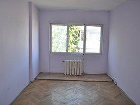 Apartament de vânzare 3 camere, în Focsani, zona Brailei