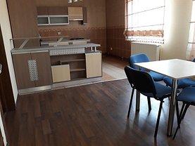 Apartament de închiriat 5 camere, în Targoviste, zona Ultracentral