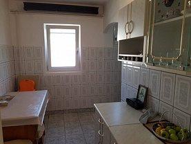 Apartament de vânzare 4 camere, în Targoviste, zona Micro 4