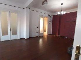 Apartament de vânzare 4 camere, în Târgovişte, zona Micro 5