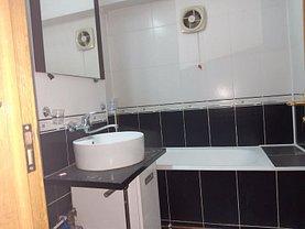 Apartament de vânzare 3 camere, în Târgovişte, zona Micro 12