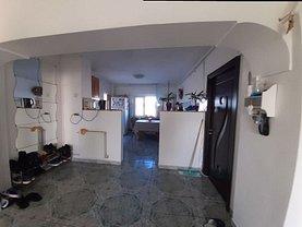 Apartament de vânzare 4 camere, în Târgovişte, zona Ultracentral