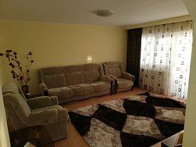 Apartament de închiriat 3 camere, în Târgovişte, zona Micro 12