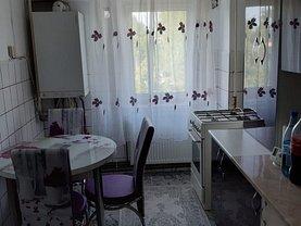 Apartament de închiriat 2 camere, în Târgovişte, zona Micro 12
