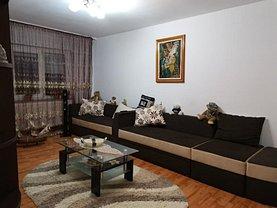 Apartament de vânzare 3 camere, în Buzău, zona Dorobanţi 2
