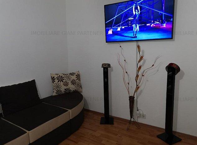 Apartament 3 camere decomandat de vanzare - imaginea 1