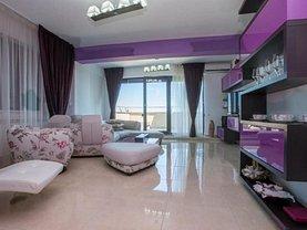 Apartament de închiriat 3 camere, în Mamaia, zona Central