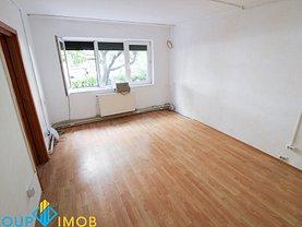 Apartament de vânzare 2 camere, în Bacau, zona Alecu Russo