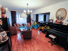 Apartament de vânzare 4 camere, în Bacau, zona Banca Nationala