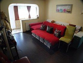 Apartament de vânzare 3 camere, în Bacău, zona Milcov