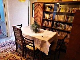Apartament de închiriat 3 camere, în Bacău, zona Banca Naţională