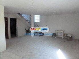 Casa de vânzare 5 camere, în Sirna, zona Central