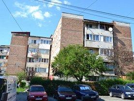Apartament de vânzare 3 camere, în Petrosani