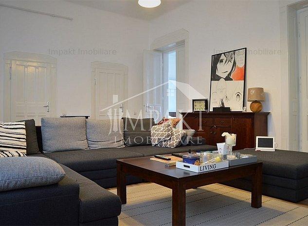 Apartament 4 camere Centru, 142 mp, complet renovat - imaginea 1