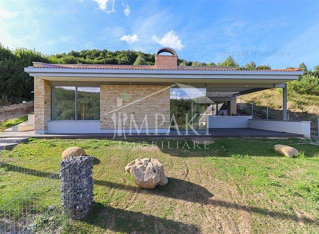 Casa individuala cu arhitectura deosebita in Feleac. - imaginea 1