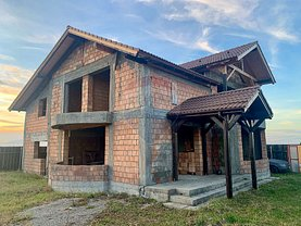 Casa de vânzare 4 camere, în Tărlungeni, zona Exterior Nord