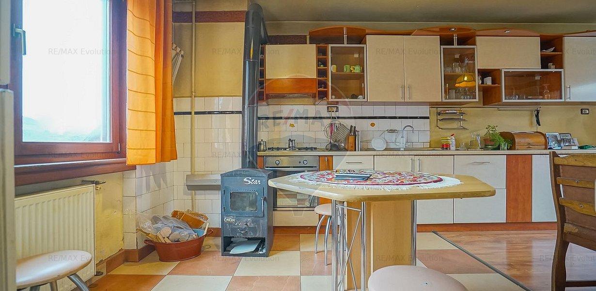 COMISION 0%! Casa spatioasa 7 camere, 956 mp teren si atelier, Sacele - imaginea 10