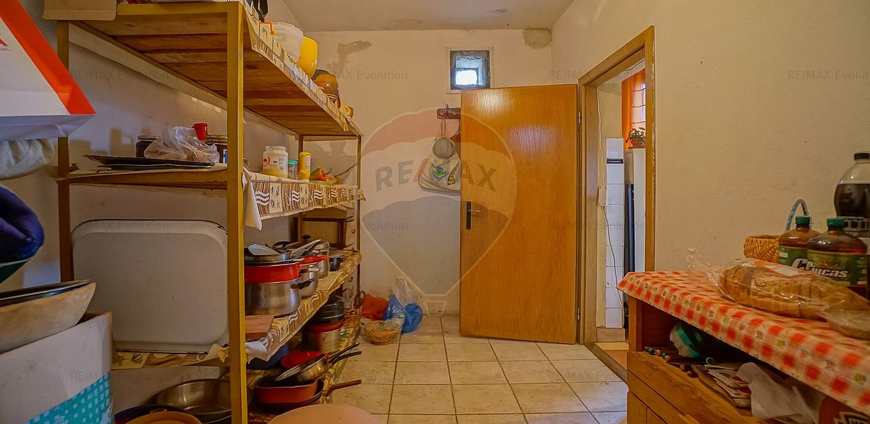 COMISION 0%! Casa spatioasa 7 camere, 956 mp teren si atelier, Sacele - imaginea 17