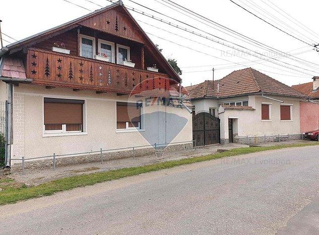 Casa in sat Voivodeni, jud Brasov, teren 4459 mp - imaginea 1